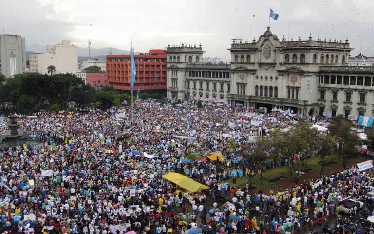Γουατεμάλα: Mαζικό κίνημα ενάντια στη λιτότητα