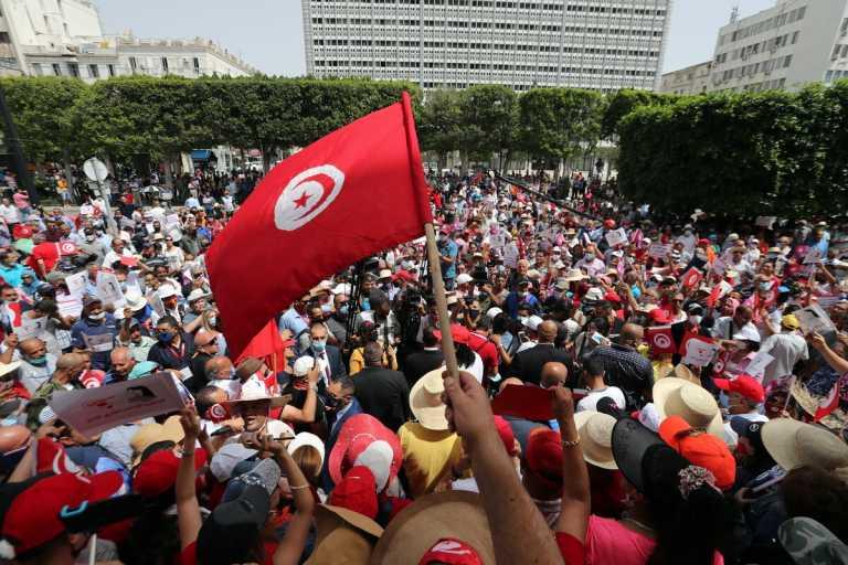 Το πραξικόπημα και το νέο μαζικό κίνημα στην Τυνησία